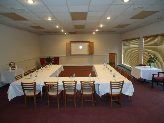 Crowne Banquet Hall Meeting Space Thumbnail 3