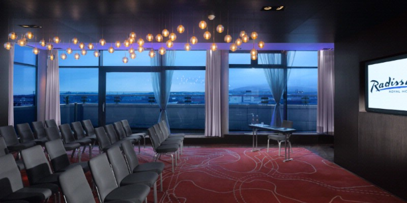 Sky Suite Meeting Space Thumbnail 2