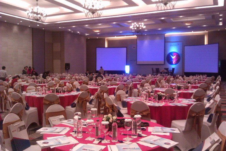 Van Mieu Grand Ballroom Meeting Space Thumbnail 2