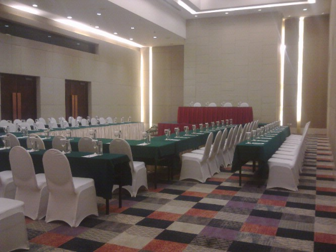Van Mieu Ballroom 1 Meeting Space Thumbnail 3