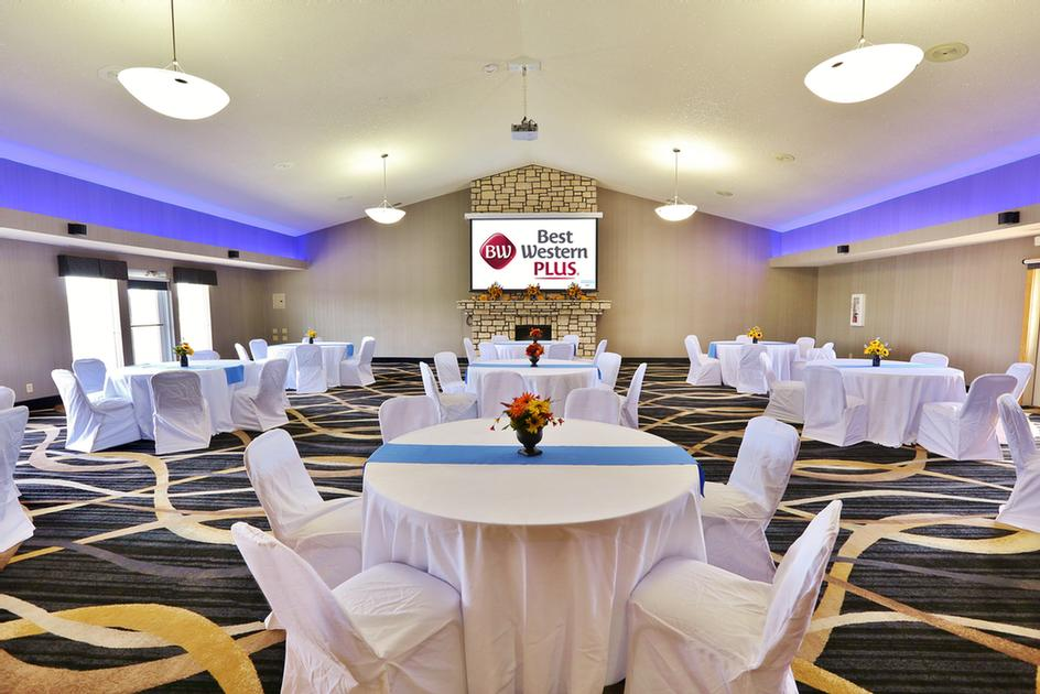 Best Western Banquet Hall Meeting Space Thumbnail 1
