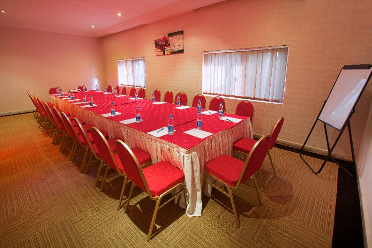 Photo of Summerset Continental Hotel Meeting Room