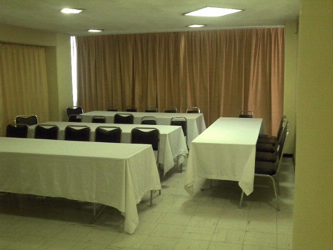 Salon Comarca Meeting Space Thumbnail 1
