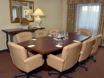 Hospitality Suite Meeting Space Thumbnail 2