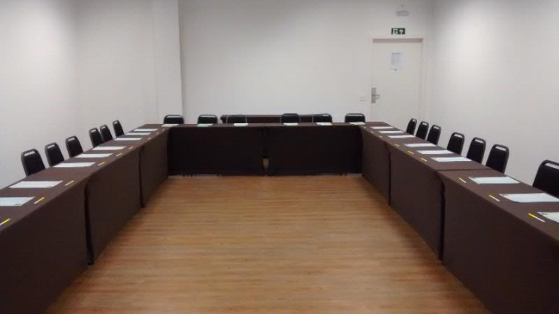 Sala Ouro Meeting Space Thumbnail 1