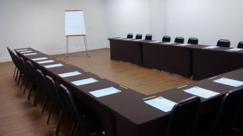 Sala Ouro Meeting Space Thumbnail 2