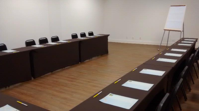 Sala Ouro Meeting Space Thumbnail 3