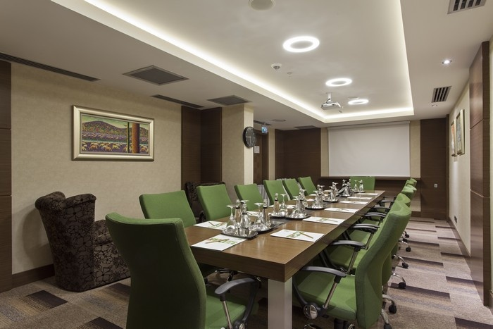 Photo of Kingboardroom