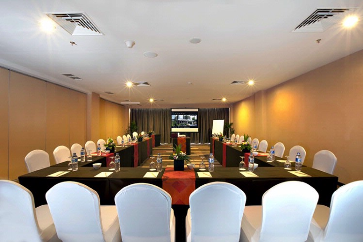 Saba Agung Room Meeting Space Thumbnail 3