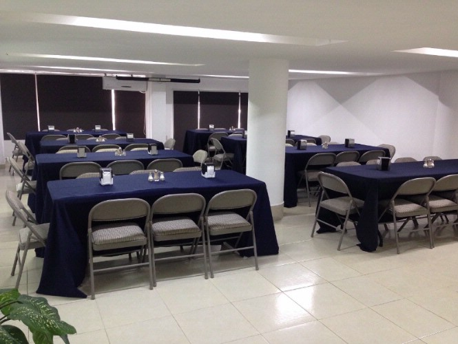 Salón de Eventos Meeting Space Thumbnail 2