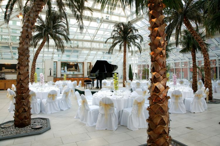 Conservatory - Stunning glass room Meeting Space Thumbnail 2