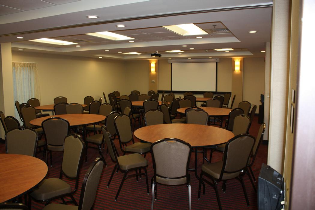 1100 Meeting Space Thumbnail 1