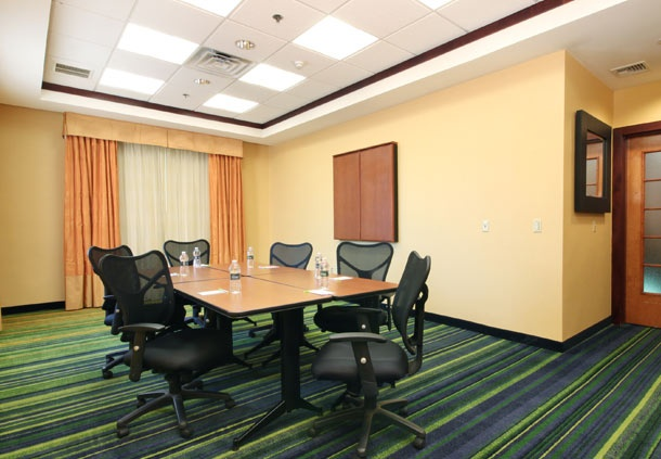 Fairfield Inn & Suites Meeting Room Meeting Space Thumbnail 1