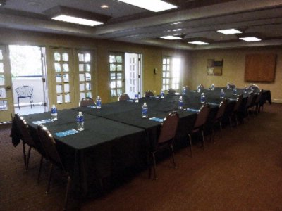 Photo of Gathering Room 2 (2/3 meeting room)