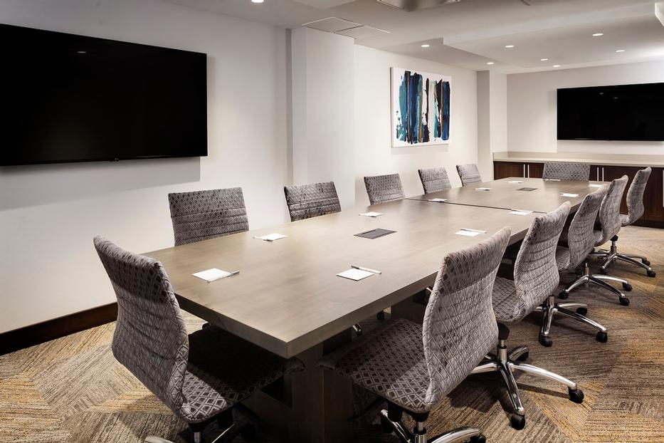 Photo of Hampton Boardroom