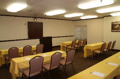 Hamptonality Suite Meeting Space Thumbnail 1