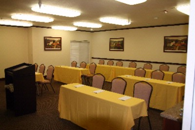 Hamptonality Suite Meeting Space Thumbnail 2