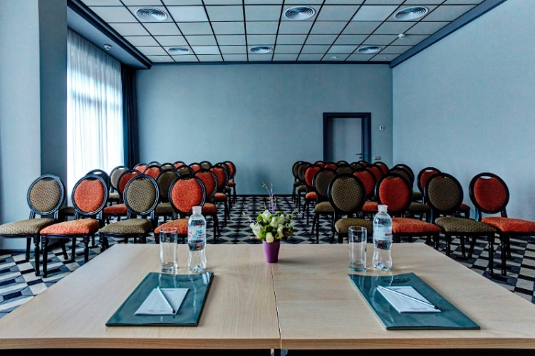 Conference room 3 Meeting Space Thumbnail 1