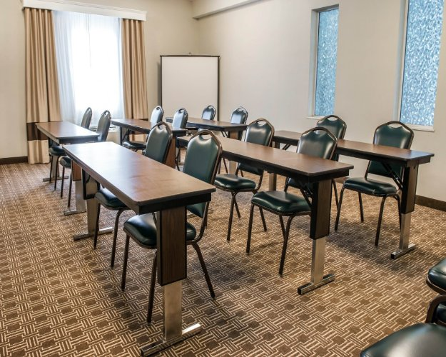 Photo of Triple Crown Meeting Room