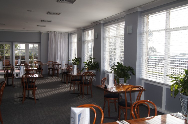 Old Maitland Inn Restaurant/Function Room Meeting Space Thumbnail 2
