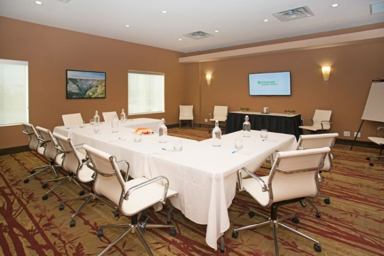 Travertine Boardroom Meeting Space Thumbnail 1