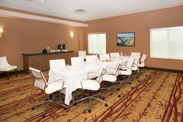 Travertine Boardroom Meeting Space Thumbnail 2