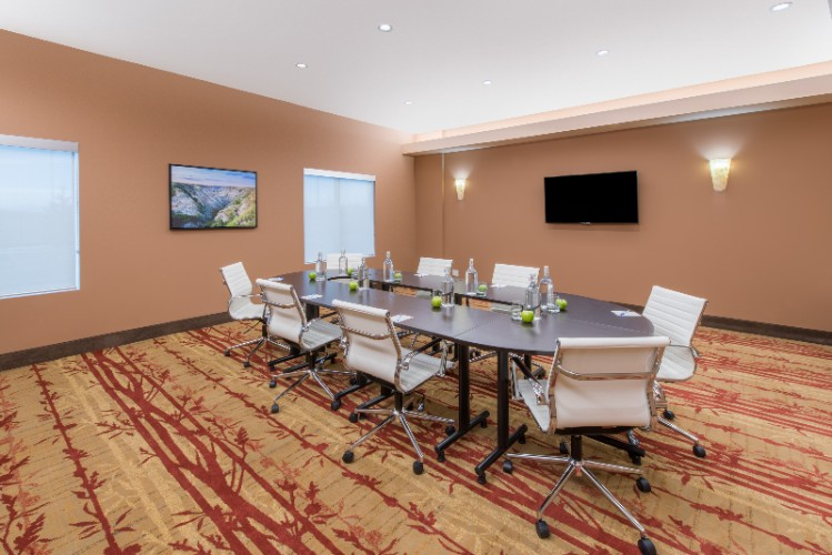 Travertine Boardroom Meeting Space Thumbnail 3
