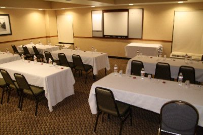 Hampton Inn Meeting Room Meeting Space Thumbnail 2