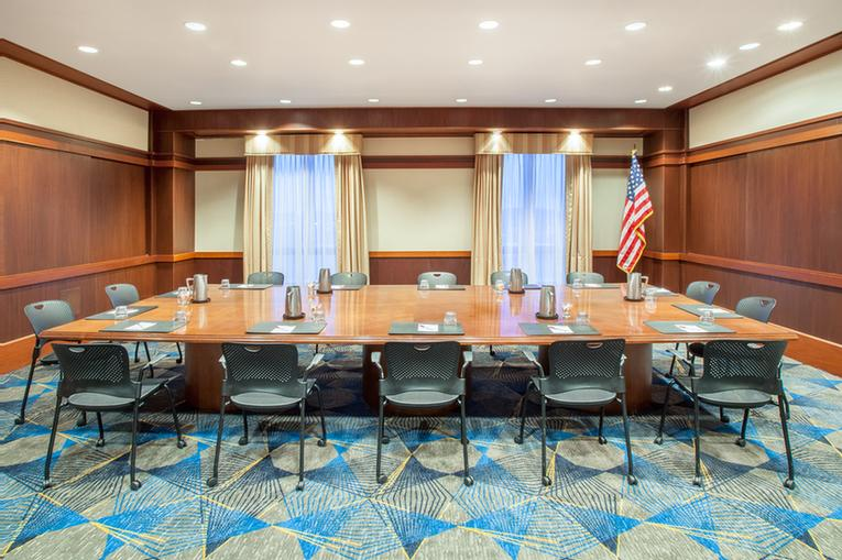 Photo of Lincoln Boardroom
