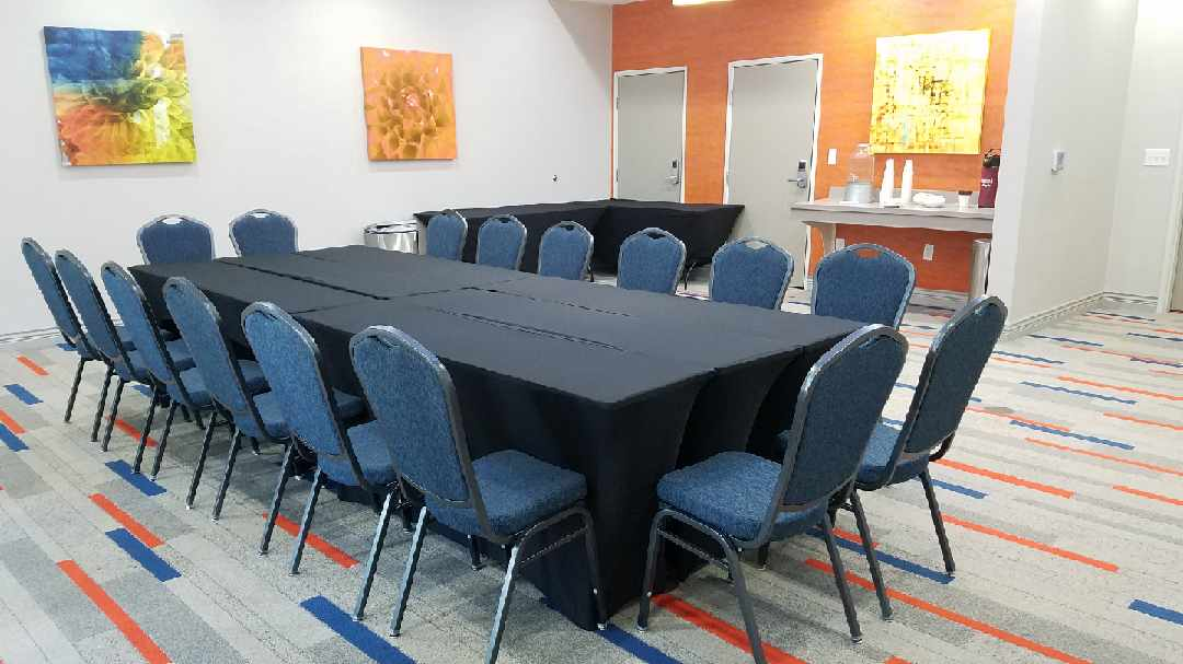 Photo of La Quinta Meeting room.