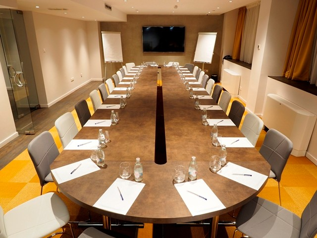 Photo of Envoy Hotel meeting room