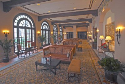 Photo of Lobby Colonnade