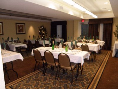 Holiday Inn Conference Room Meeting Space Thumbnail 2