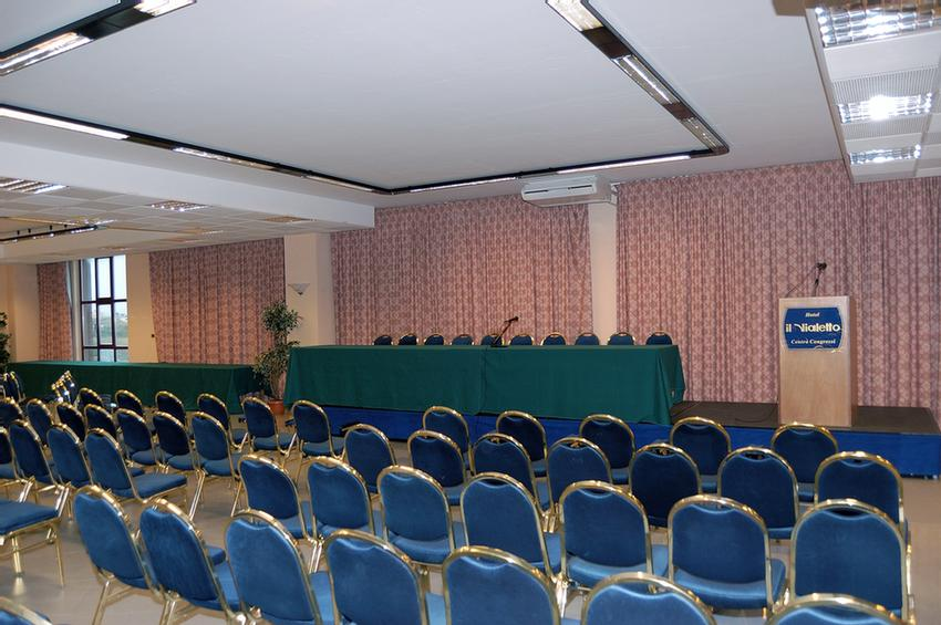 Sala Piazza Italia Meeting Space Thumbnail 2