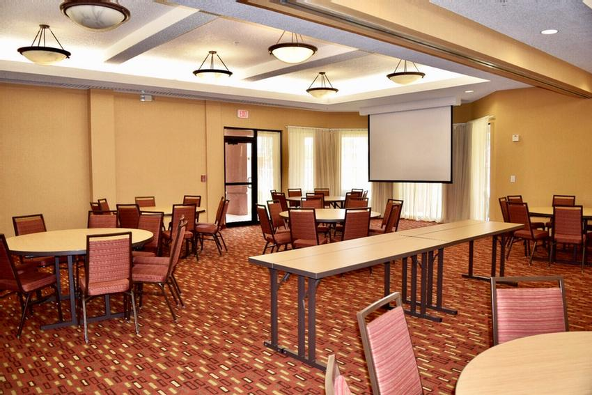 Traditions Ballroom Meeting Space Thumbnail 2