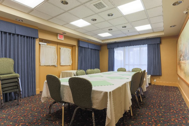 Cowichan Room Meeting Space Thumbnail 2