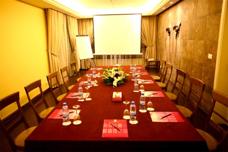 Conference 211 Meeting Space Thumbnail 1