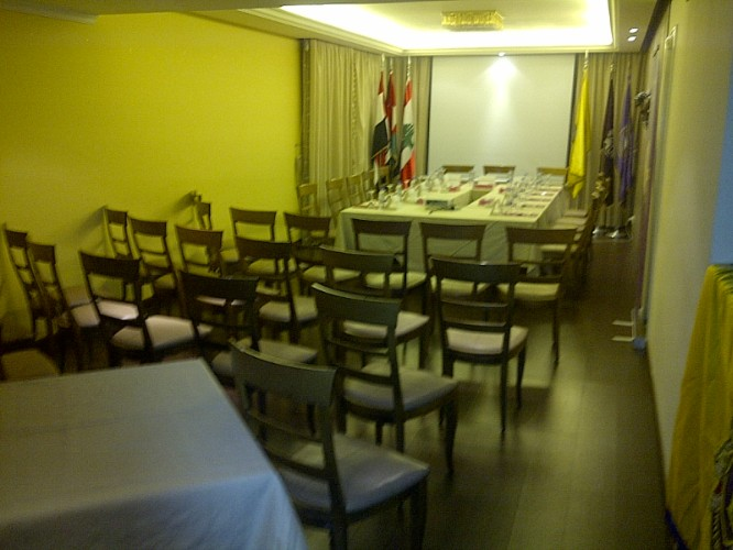 Conference 211 Meeting Space Thumbnail 2