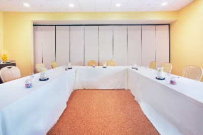 Chardonnay Room Meeting Space Thumbnail 2