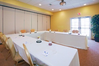 Chardonnay Room Meeting Space Thumbnail 3