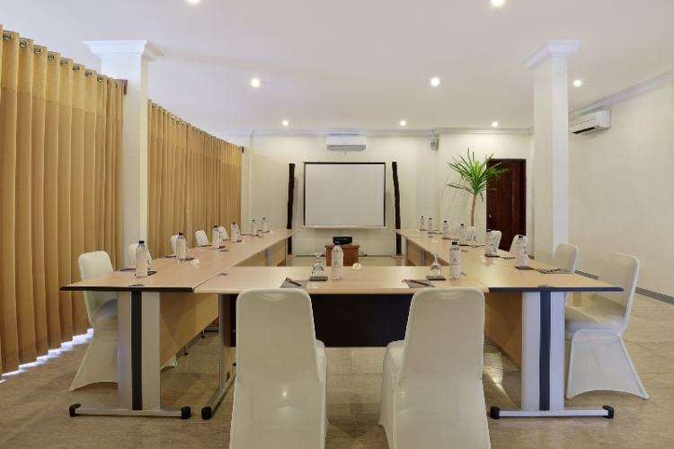 Gading Meeting Room Meeting Space Thumbnail 1