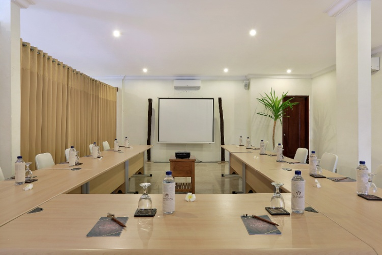 Gading Meeting Room Meeting Space Thumbnail 2