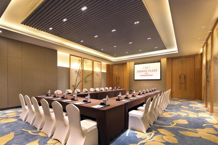 Crowne Room 1/2 Meeting Space Thumbnail 2