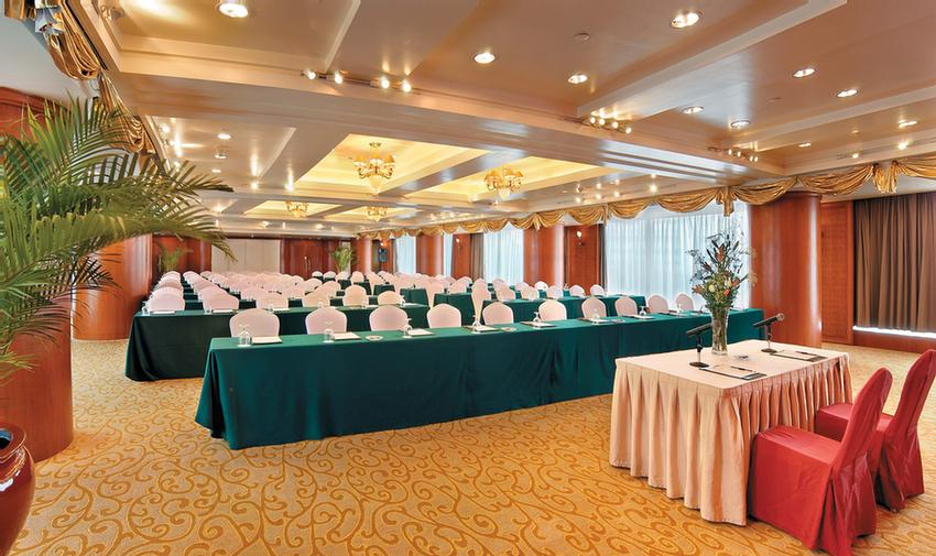 Why Block Hotel Rooms For Wedding