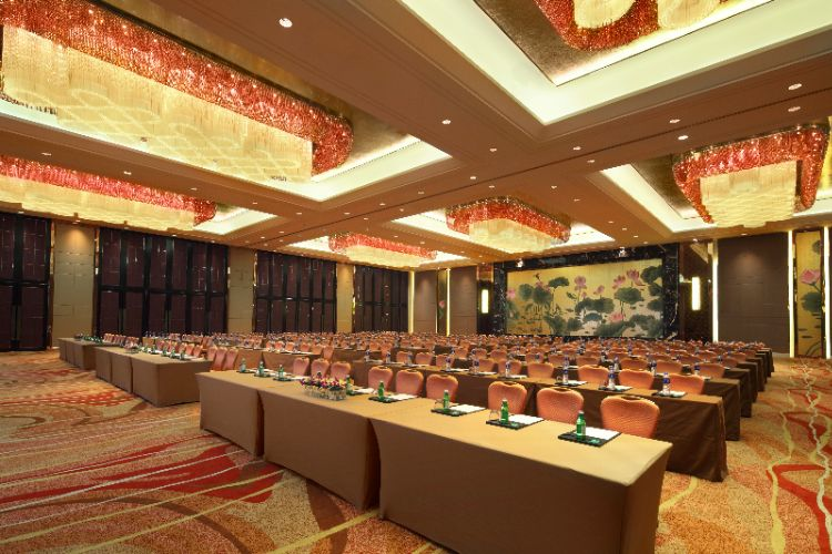 Grand Yangtze Ballroom Meeting Space Thumbnail 3