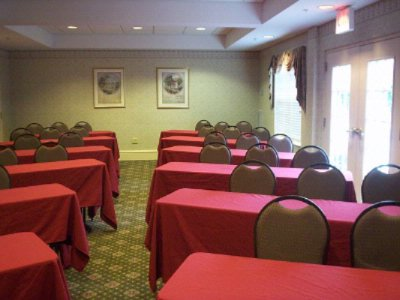 Residence Inn Raleigh Crabtree Cardinal Room Meeting Space Thumbnail 3