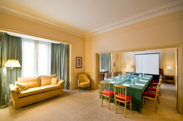 Suite 117/118/119 Meeting Space Thumbnail 3