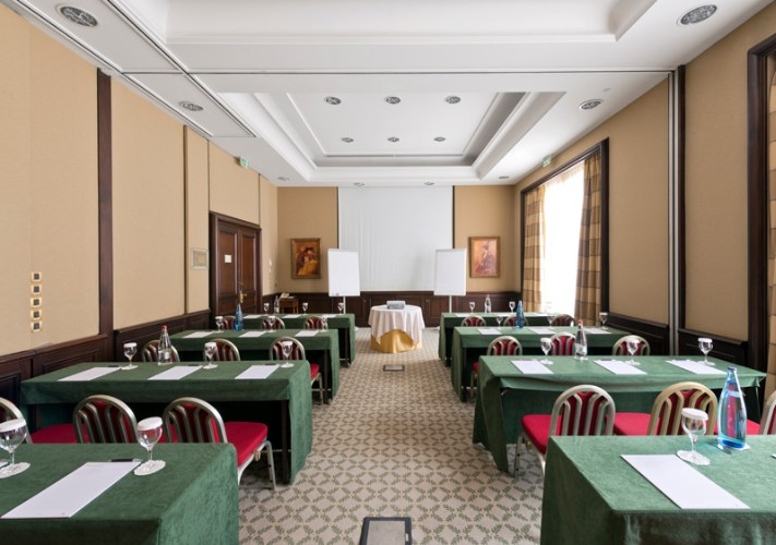 Ponant 1/2 Meeting Space Thumbnail 2