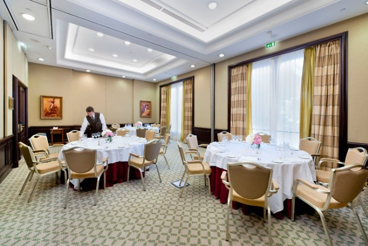 Ponant 1/2 Meeting Space Thumbnail 3