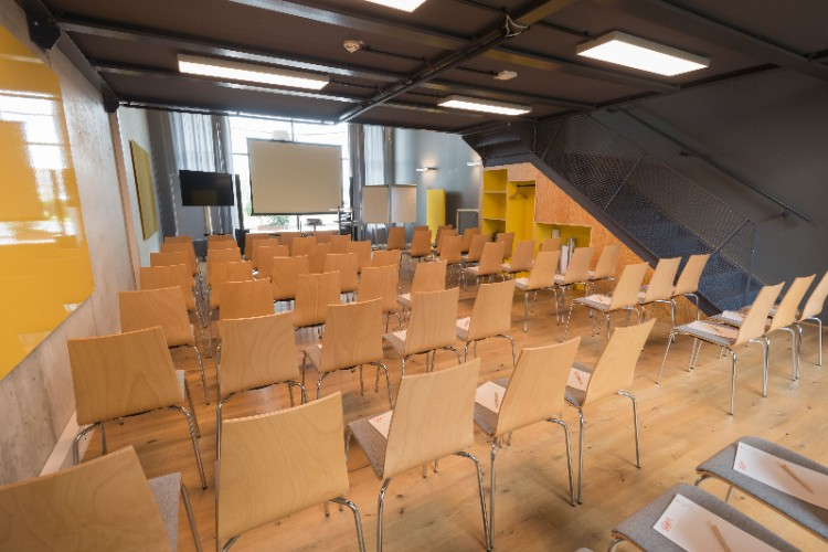 Raum Event Meeting Space Thumbnail 2